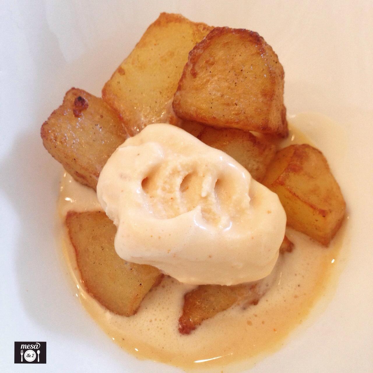 Daditos de patatas con salsa brava helada de ibérico, pimentón de la Vera y AOVE arbequina