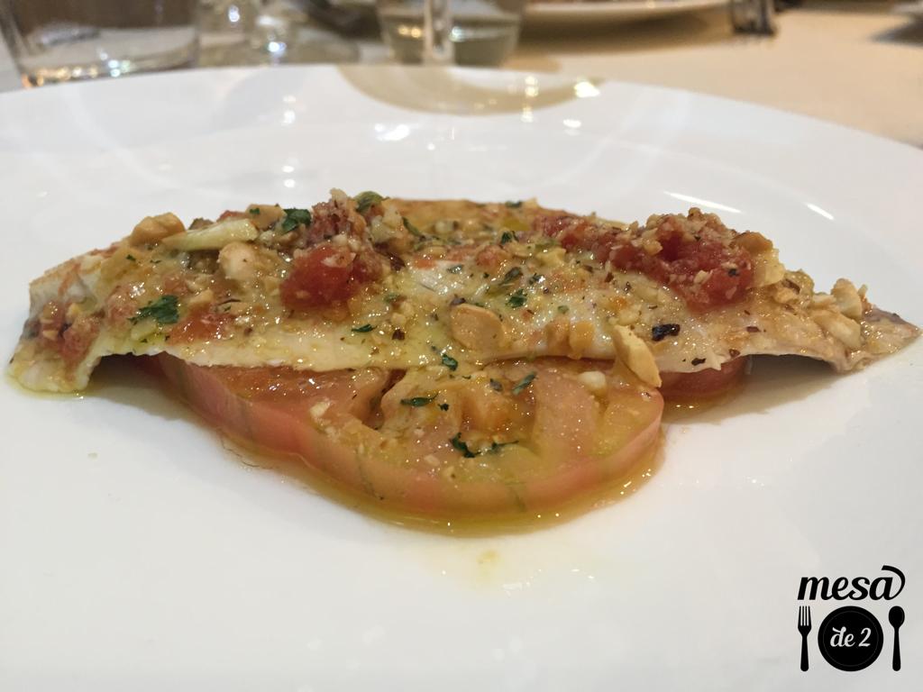 Sardinas marinadas con tomate Raf y salsa de frutos secos