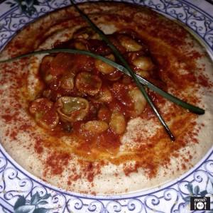 Hummus Full con Habas y Pan de Pita