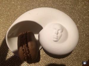 Macarrón de chocolate