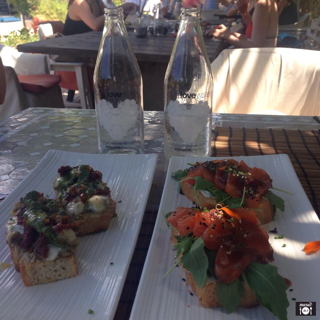 Tostas en The Giri Café
